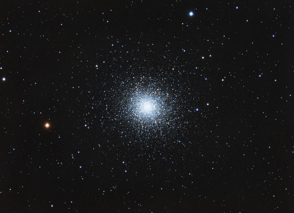 M13, bright globular cluster